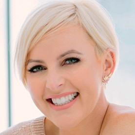Kelly-Lundberg-Celebrity Stylist _ Business Mentor