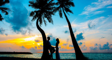 Simple ideas to make your wedding anniversary memorable